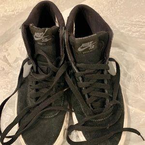 Nike Shoes - Nike SB Bruin Hi Skateboarding Sneaker